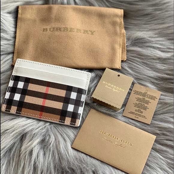 Handbags - 💕Authentic Burberry Vintage Check Card Case💕